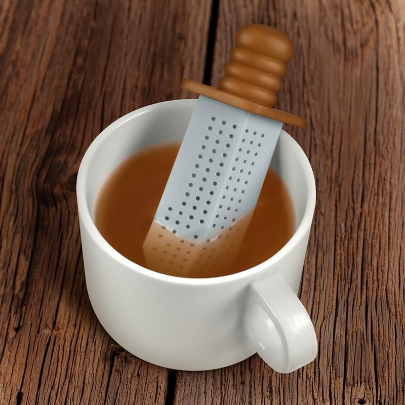 Zaparzaczka do herbaty miecz - Fred&Friends