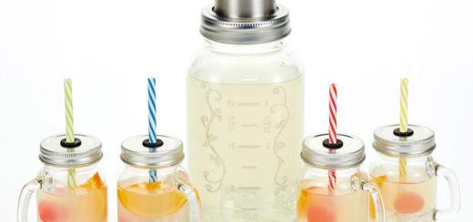Szklany shaker i 4 słoiki z rurką od KitchenCraft